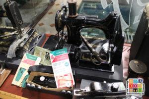 maquina de coser singer en el mucoti